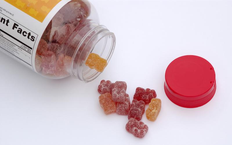 فوائد واضرار حلوى الفيتامينات للأطفال تعرف عليها بالتفصيل