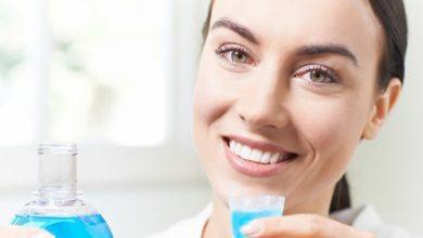 صورة افضل انواع غسول فم مطهر مضاد للبكتيريا للقضاء علي التهابات اللثة ورائحة الفم الكريهة
