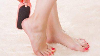 افضل المستحضرات الطبية والتجميلية للتخلص من تشققات وخشونة القدمين والكعبين