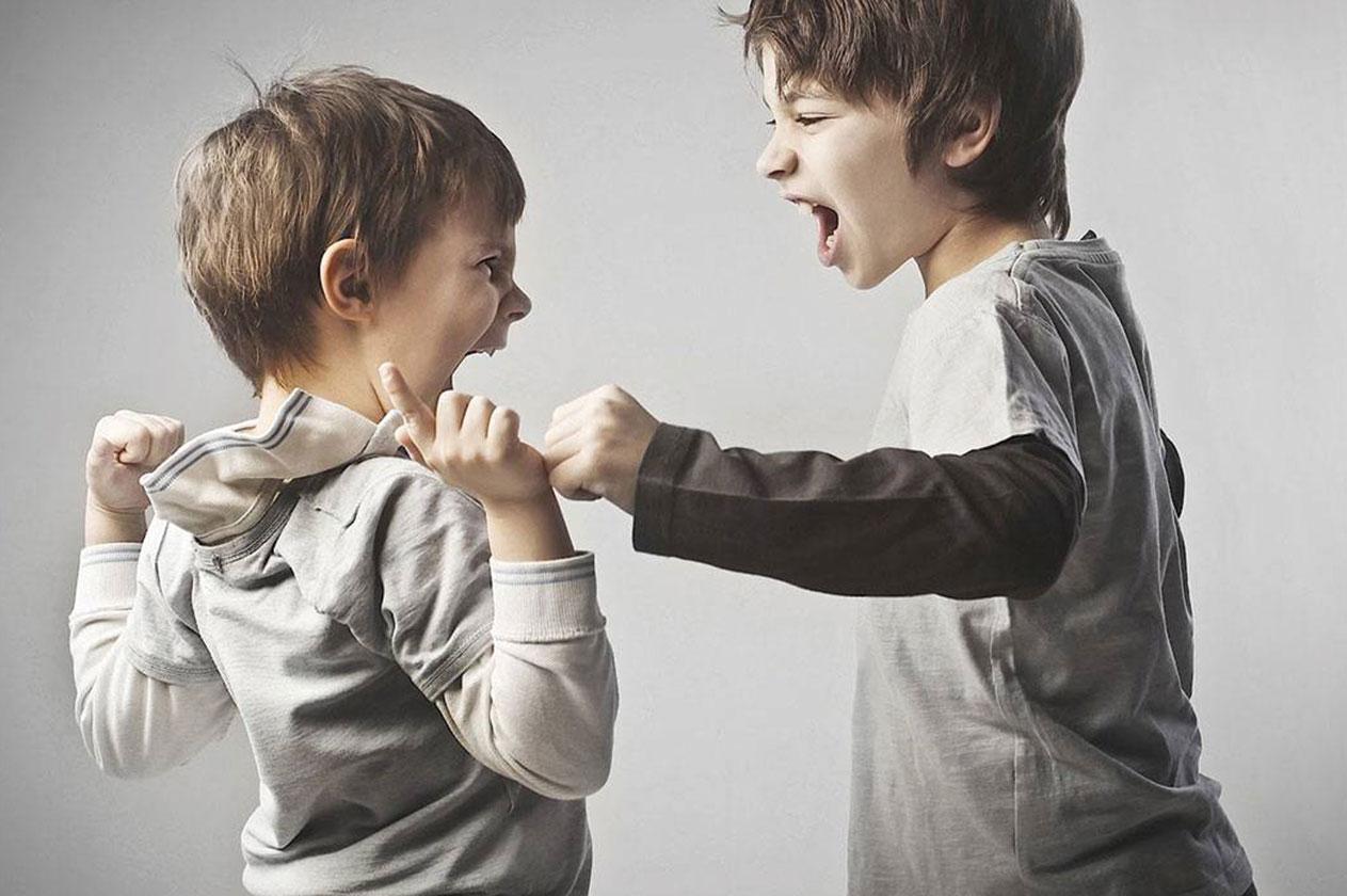 يعاني طفلك من اضطرابات السلوك اليك أهم اعراضه واسبابه وكيفية علاجه