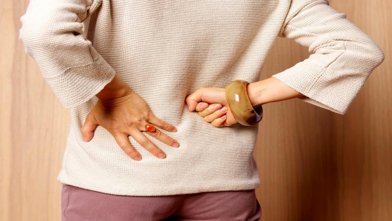 هشاشة العظام تهدد صحتك بعد سن اليأس تعرفِ علي اسبابها وكيفية علاجها لتقوية العظام