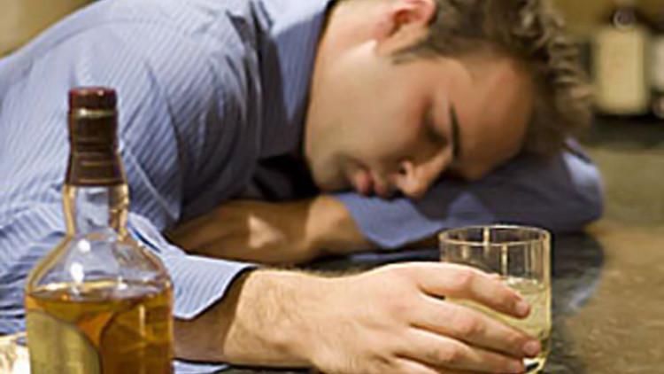 التعرف على اعراض ادمان الكحول و افضل الادويه الفعاله لسحبه وعلاجه