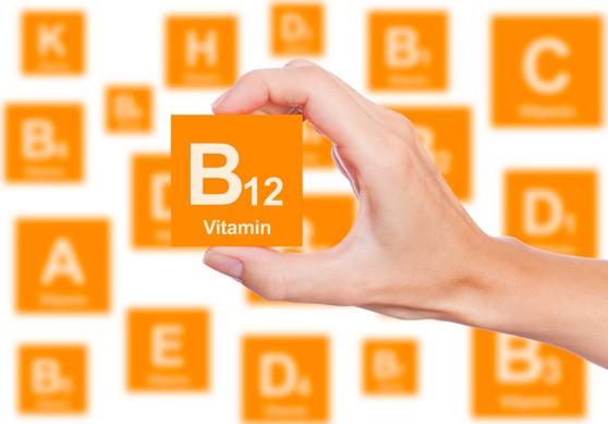 فوائد فيتامين ب12 للجسم واضرار نقصه في الجسم وكيفية الحصول عليه
