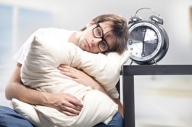 نصائح لعلاج الارق واضطرابات النوم وافضل الطرق الطبيعية للتخلص من اضطرابات النوم