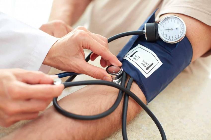 الوقاية من ارتفاع ضغط الدم وكيفية خفض ضغط الدم المرتفع بأفضل الطرق الطبيعية
