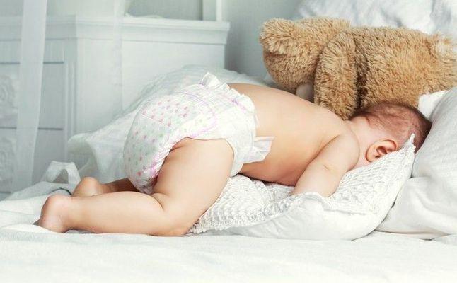 طرق التخلص من تسلخات الحفاضات للاطفال والرضع وأفضل الكريمات لترطيب الجلد