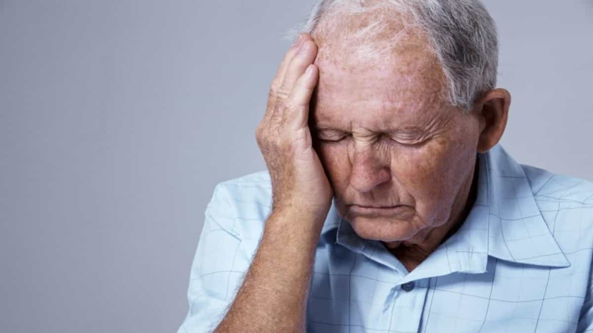 مرض الزهايمر الاكثر شيوعا عند كبار السن و الادويه الفعاله لعلاجه
