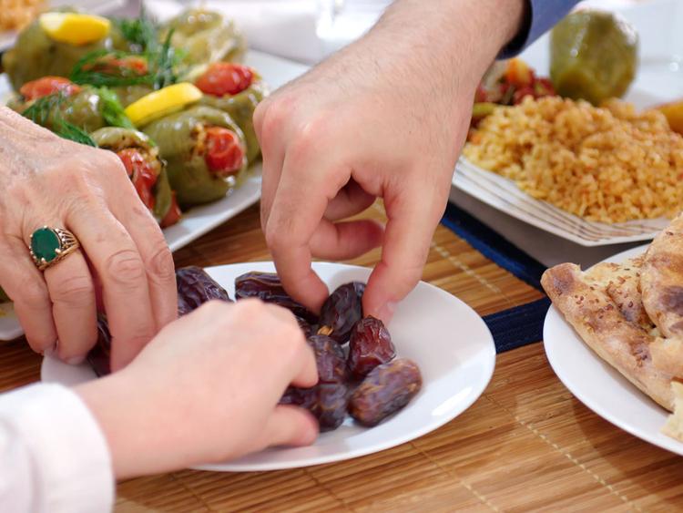 نصائح لتجنب زيادة الوزن في رمضان وافضل الحيل المجربة الفعالة