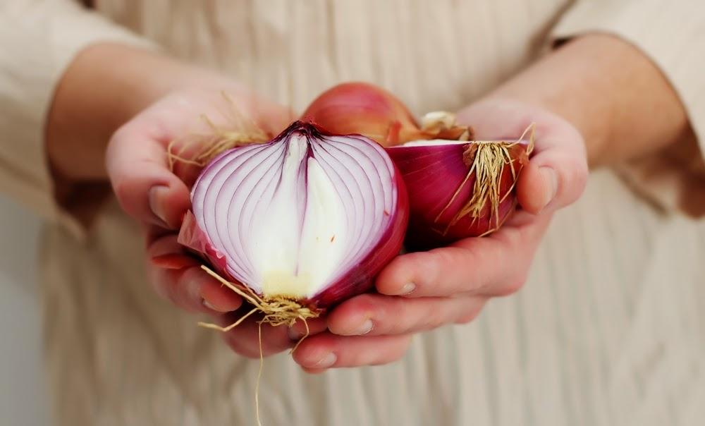 فوائد البصل للبشرة والجسم وابرز استخداماته ودوره في الحماية من الامراض