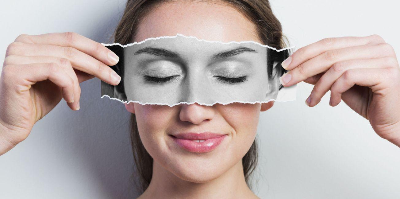 التخلص من الهالات السوداء الداكنة اسفل العين بالطرق الطبيعية