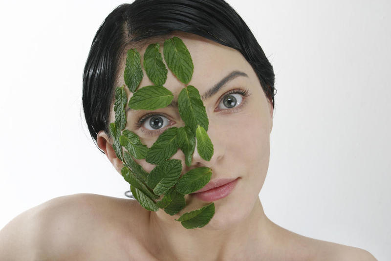 فوائد النعناع للبشره و كيفيه استخدامه على الوجه