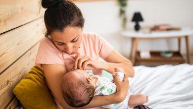 فوائد الرضاعة الطبيعية لحديثي الولادة والام المرضعة ومدي تاثيرها علي الصحة
